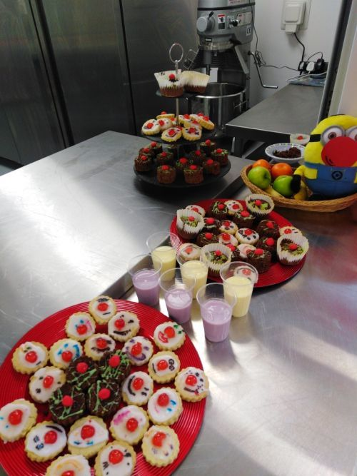 Red Nose Cookies and Cakes